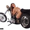 http://www.wandamotor.fi/kuvat/wandamotor_girls_and_bikes4thumb.jpg